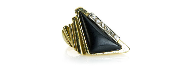 Gold Onyx Ring with diamonds